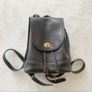 🖤 VINTAGE COACH Turnlock Leather Backpack Black
